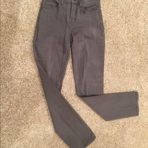 👖NYDJ; GRAY COMFY STRAIGHT LEG JEANS, Size 2.
